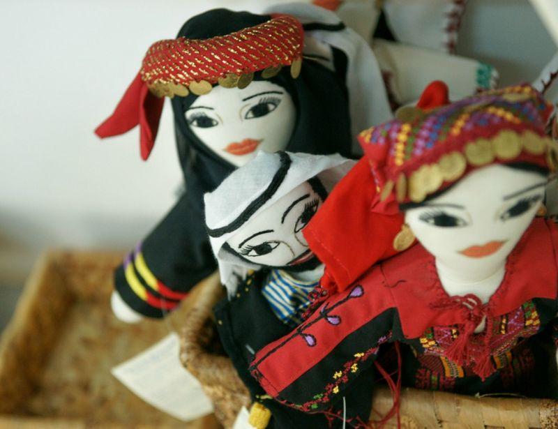 Dolls1 1024x768
