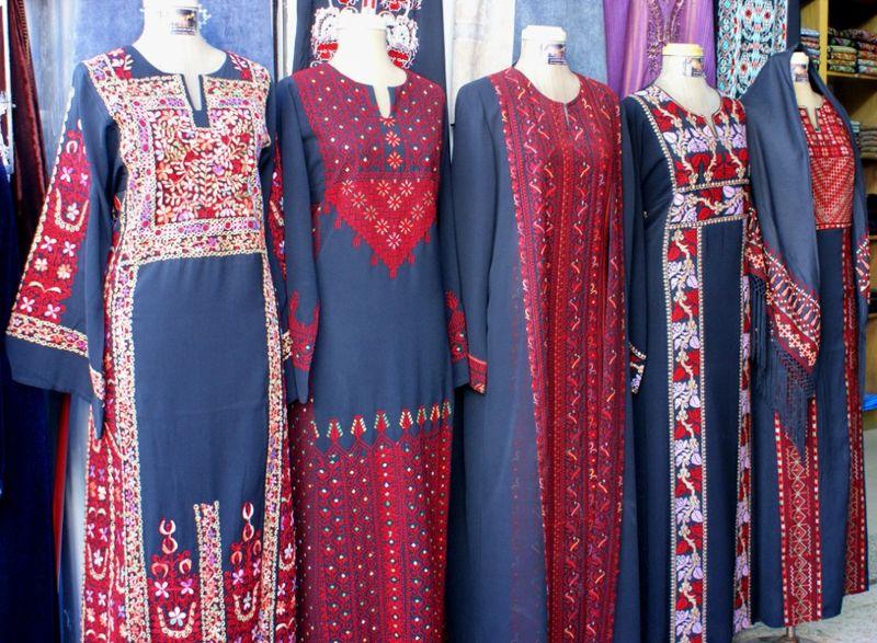 Dresses w red 1024x768