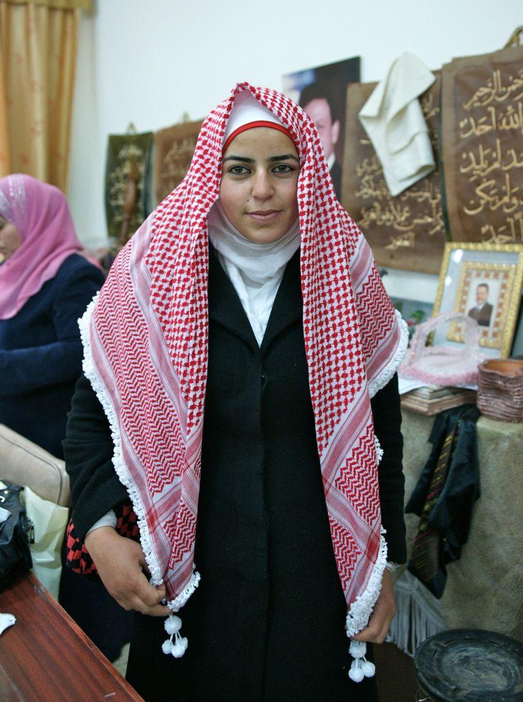 Girlinscarf