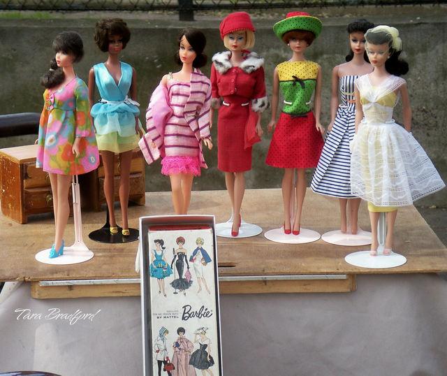 http://parisparfait.typepad.com/paris_parfait/images/2008/04/30/vintage_barbies.jpg
