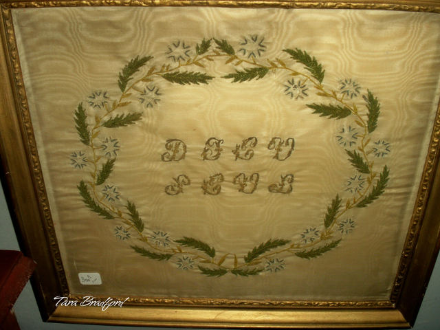 Embroidered_initials_on_silk_moir_2