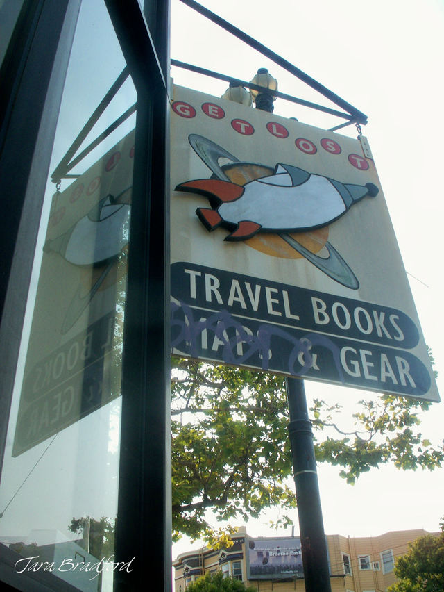 Travel_books_sign