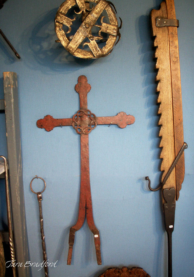 Cross_and_tools
